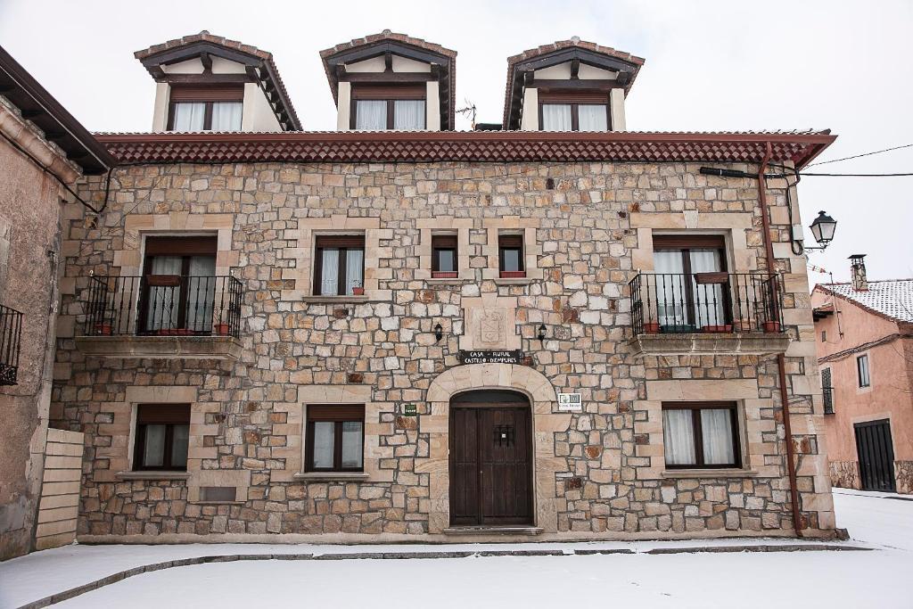 Casa rural castillo diempures riaza reserva tu hotel con viamichelin - Casa rural riaza ...