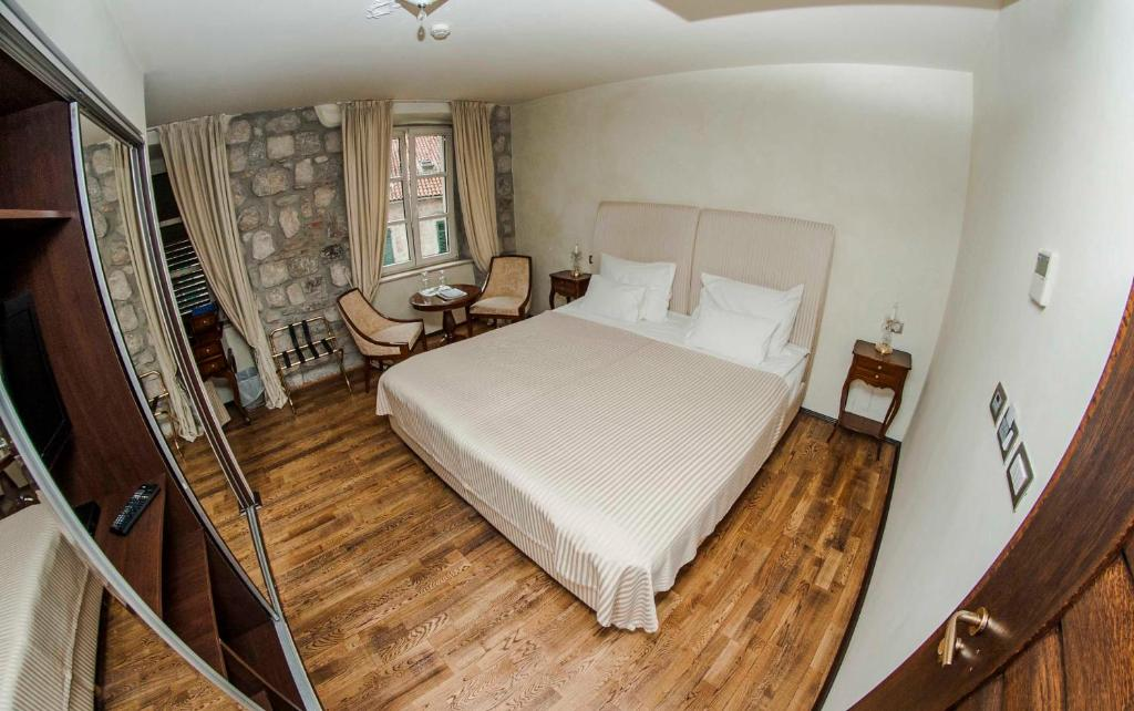 Boutique Hotel Astoria Tivat Book Your Hotel With
