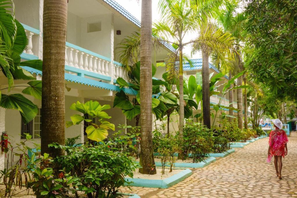 Negril Gardens Beach Resort Hotel