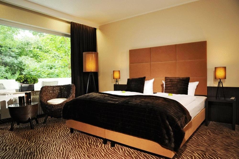 hotel friends darmstadt mathildenh he darmstadt book your hotel with viamichelin. Black Bedroom Furniture Sets. Home Design Ideas