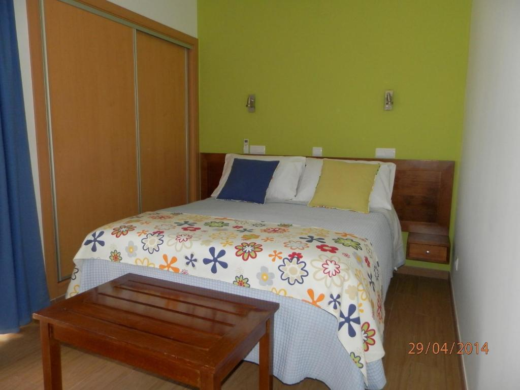 albufeira chat rooms - entire home/apt for $52 very pleasent and confortable studio in the city centre of albufeira only 500 mt far away from the most popular beach praia dos pescadores and all.