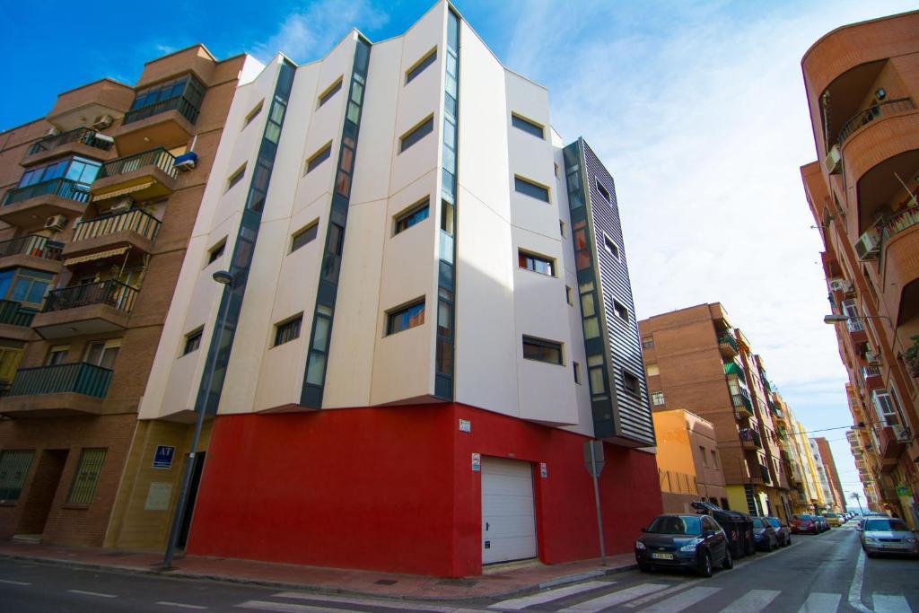 Apartamentos 16 9 playa suites almer a book your hotel with viamichelin - Apartamentos argar almeria ...