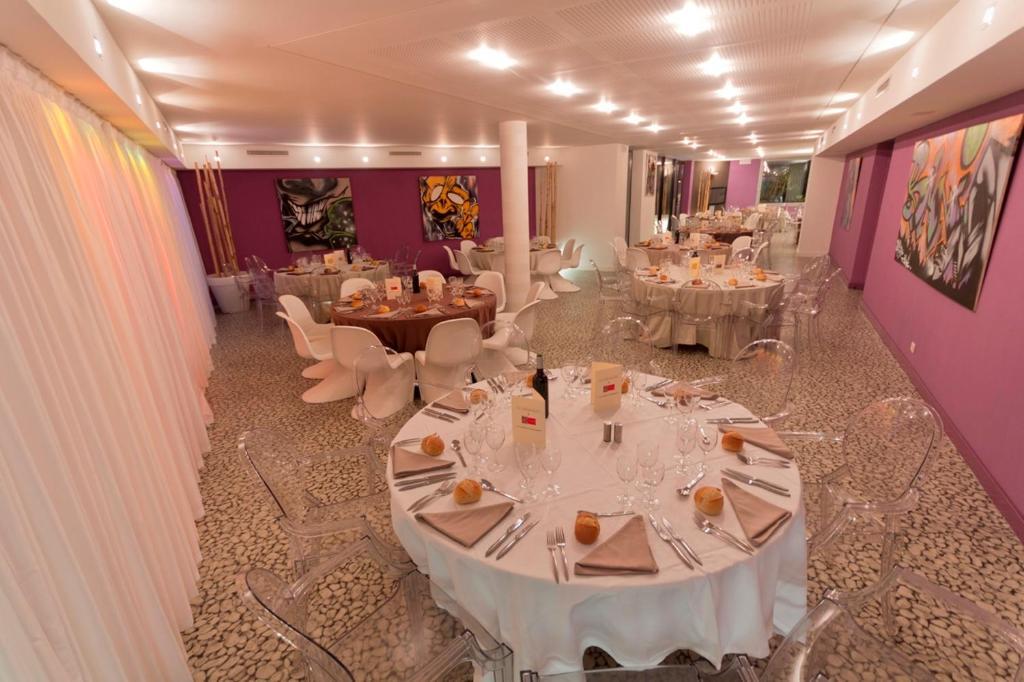 Le rex h tel tarbes online booking viamichelin for Restaurant le rex