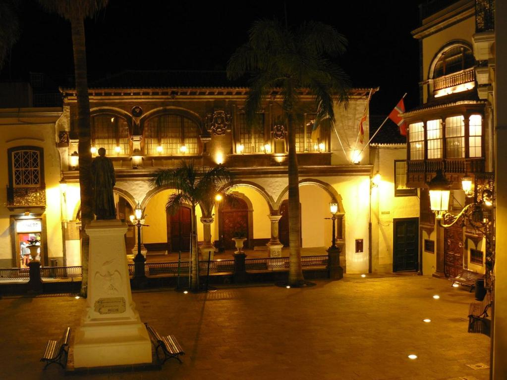Hotel san telmo santa cruz de la palma book your hotel for Hotel luxury san telmo