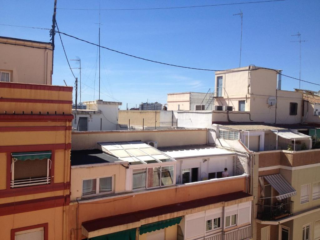 Apartamentos turia valencia book your hotel with viamichelin - Apartamentos valencia booking ...