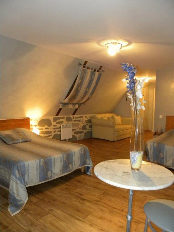 Hotel mille et une nuits d 39 aubrac r servation gratuite for Reserver hotel et payer sur place