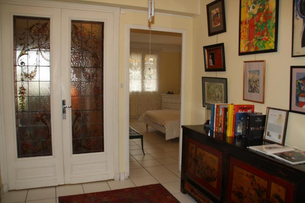 chambre d 39 h te mt et jm gleizes chambres d 39 h tes marseille. Black Bedroom Furniture Sets. Home Design Ideas