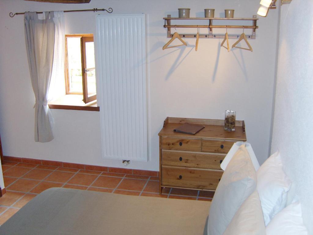 Chambres d 39 h tes la grange chambres d 39 h tes coutouvre - Chambre d hote la couvertoirade ...