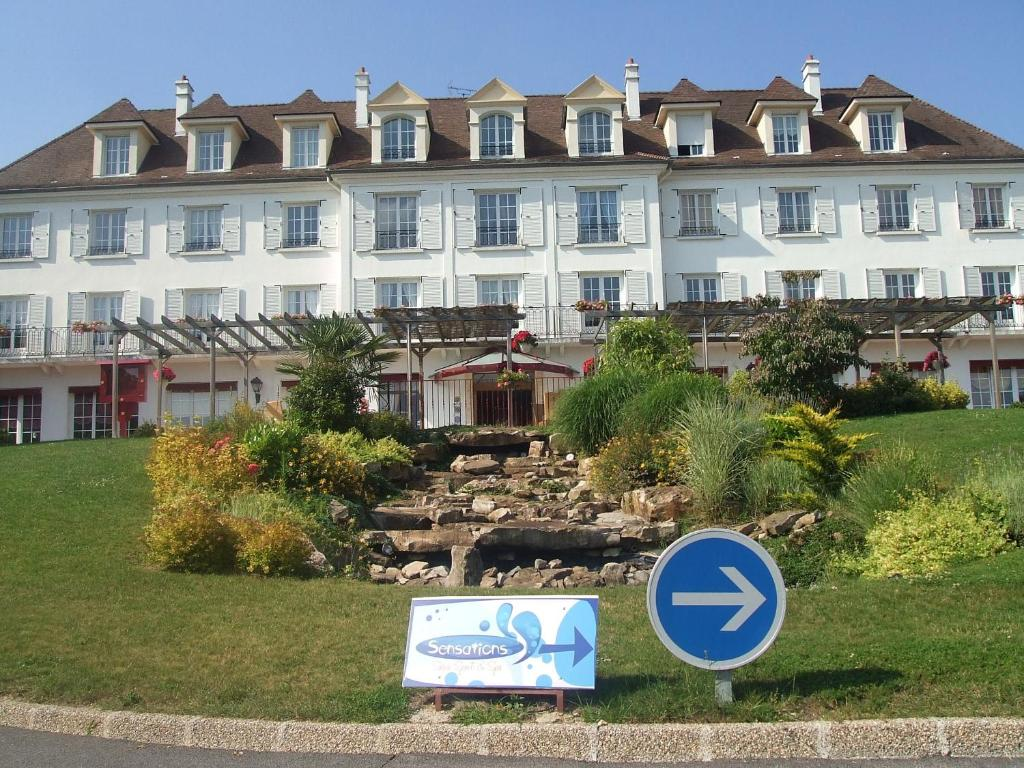 Best western hotel ile de france ch teau thierry book for Top hotel france