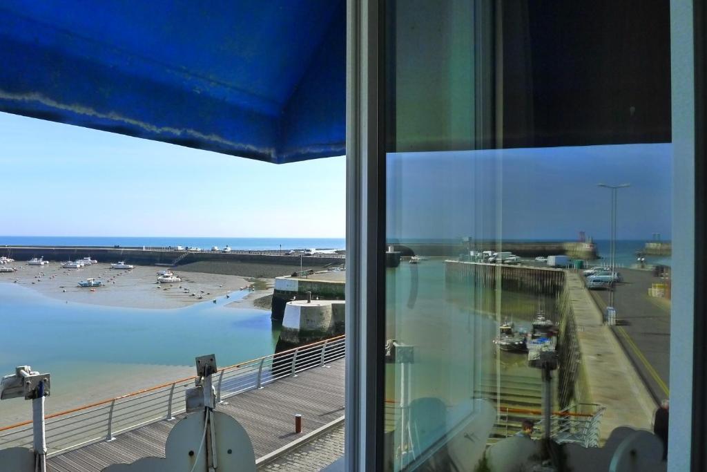 H tel de la marine r servation gratuite sur viamichelin - King hotel port en bessin ...