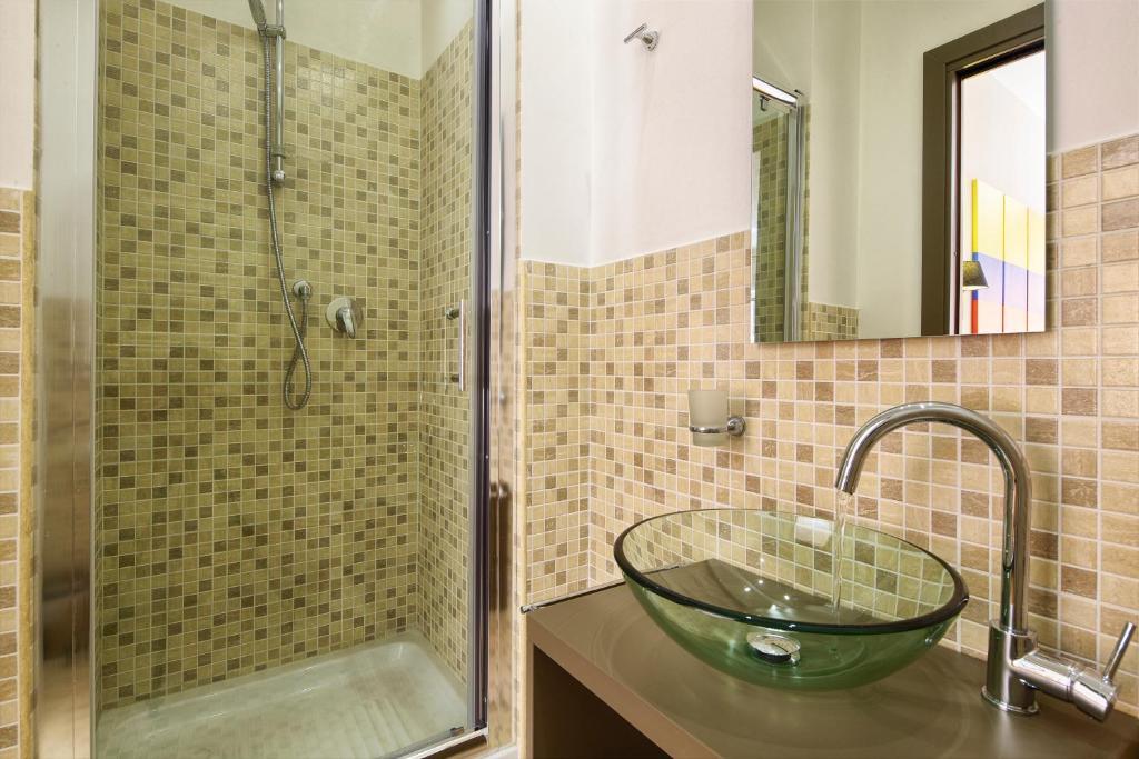 Porta pia rooms rome online booking viamichelin - Hotel porta pia roma ...