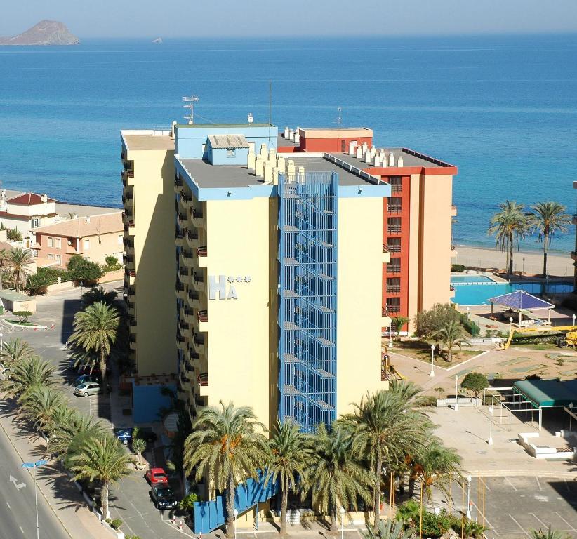 Hotel apartamentos londres la manga la manga del mar menor for Hotel piscine londres