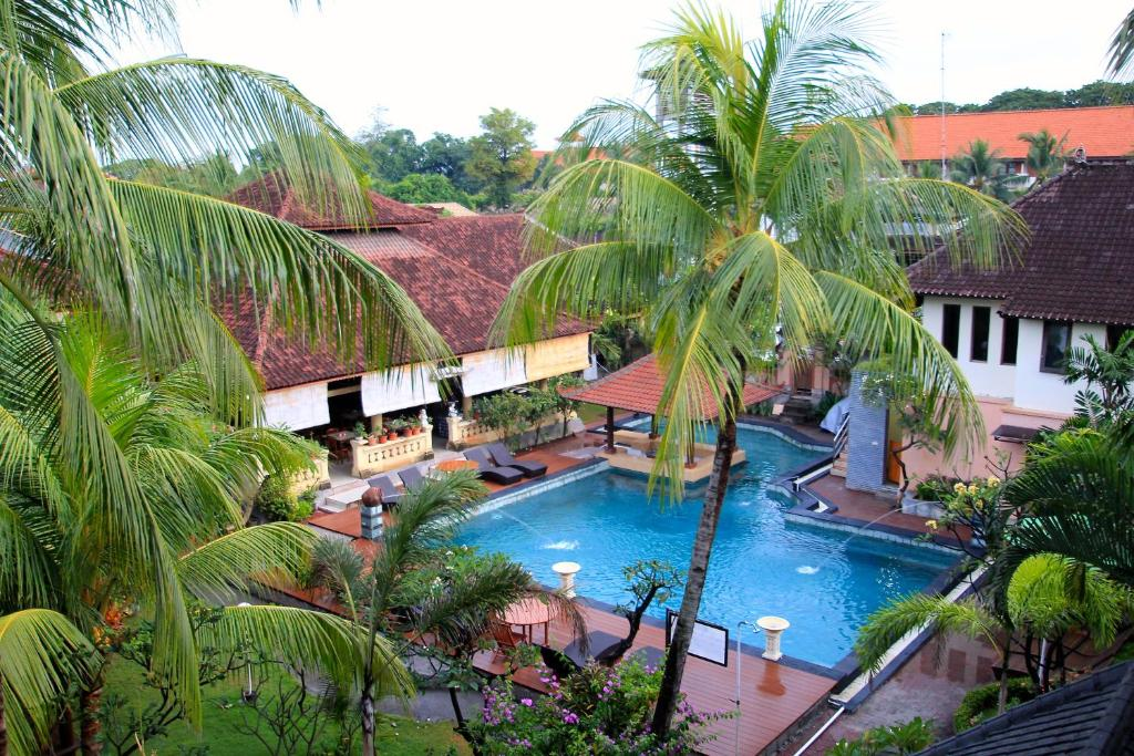 Bakung beach resort denpasar selatan book your hotel for Kuta beach hotel