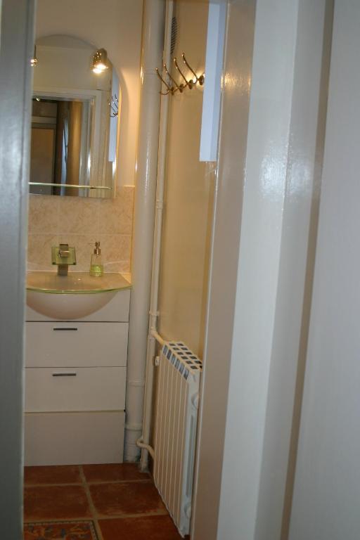 appartement la touraine romantique gare cath drale. Black Bedroom Furniture Sets. Home Design Ideas