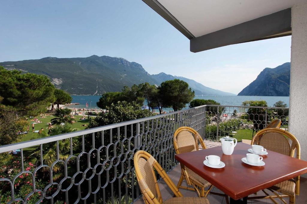 Buy apartments in Lake Garda, near the sea