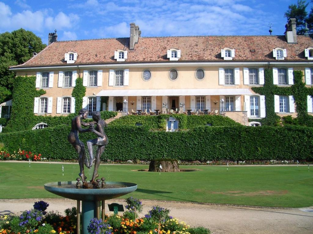 Chateau de Bonmont - Nyon - book your hotel with ViaMichelin