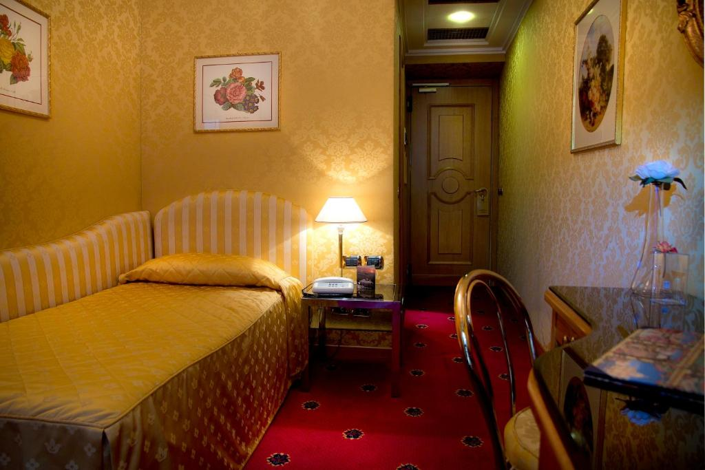 Marcella royal rom informationen und buchungen online for Royal palace luxury hotel 00187 roma