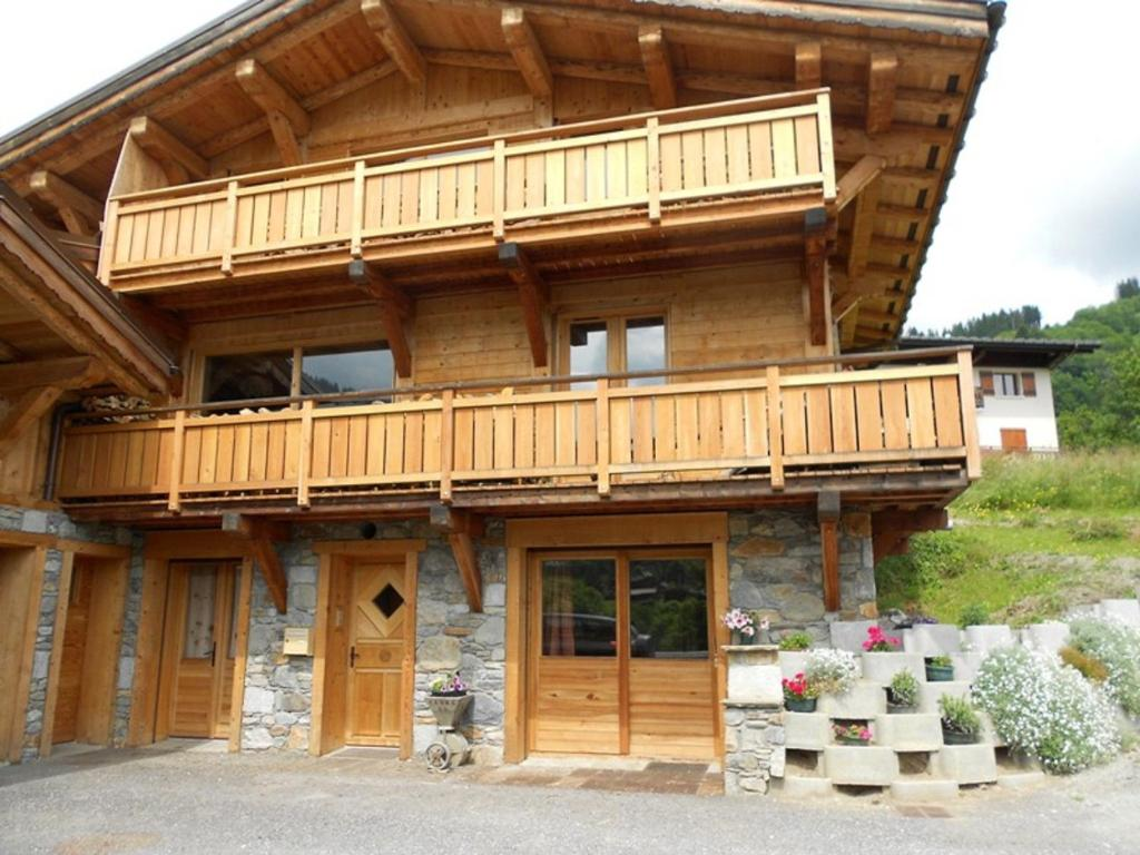 Appartement les 4 monts meg ve online booking for Booking appartement