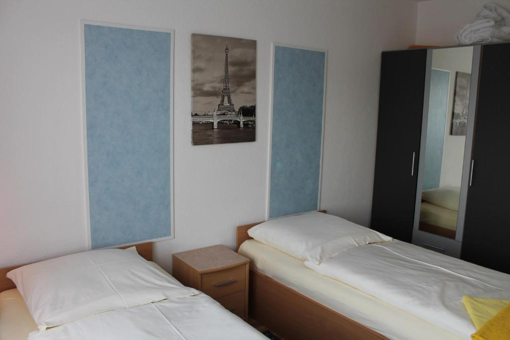 pension nuernberg fuerth deutschland f rth. Black Bedroom Furniture Sets. Home Design Ideas