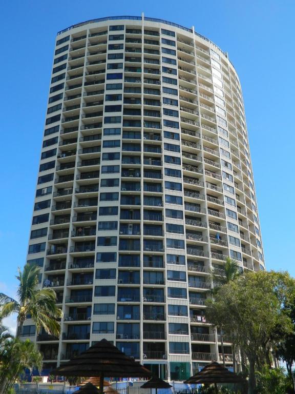 condo hotel royal palm on the beach gold coast australia. Black Bedroom Furniture Sets. Home Design Ideas