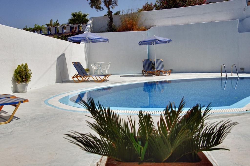 g stezimmer villa pelekanos g stezimmer in karterados greece. Black Bedroom Furniture Sets. Home Design Ideas