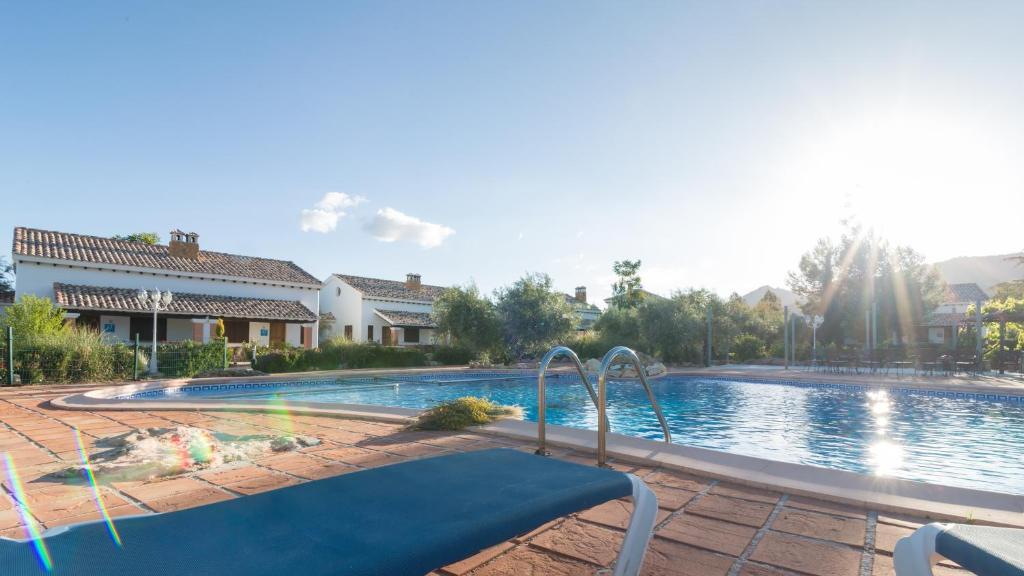 Complejo rural ibipozo pozo alc n reserva tu hotel con for Complejo rural con piscina