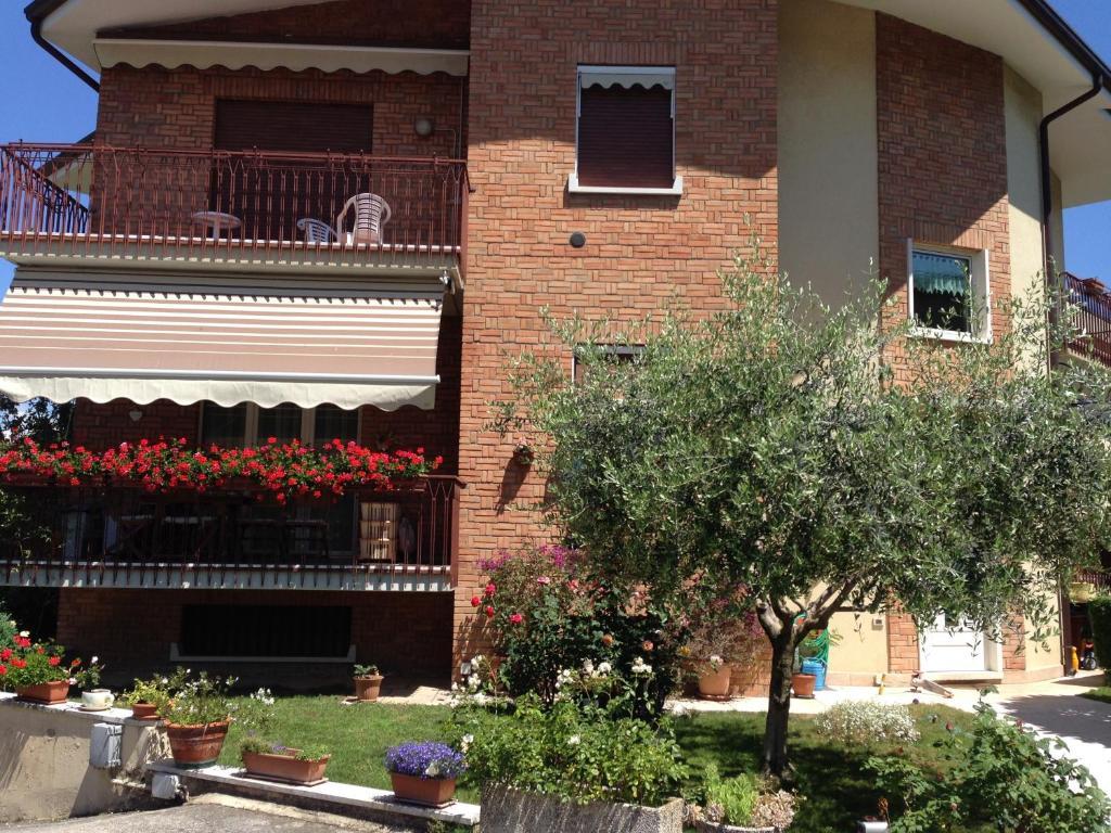 <div data-et-view=NAFQCDCcdXDPdFO:1</div Appartamenti Poggio di Giano