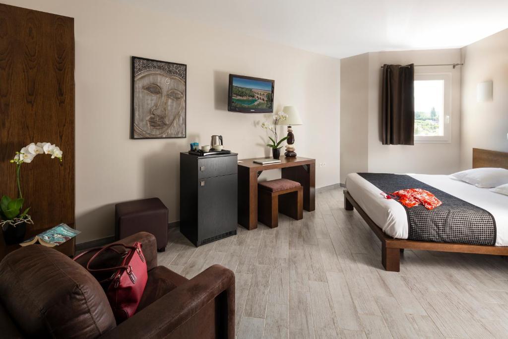 Hotel Le Saint Laurent Saint Laurent Des Arbres