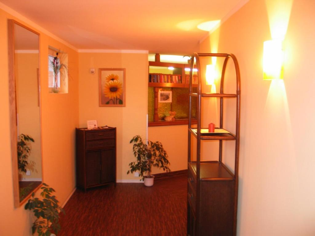 Pension f rst borwin r servation gratuite sur viamichelin for Warnemunde hotel pension