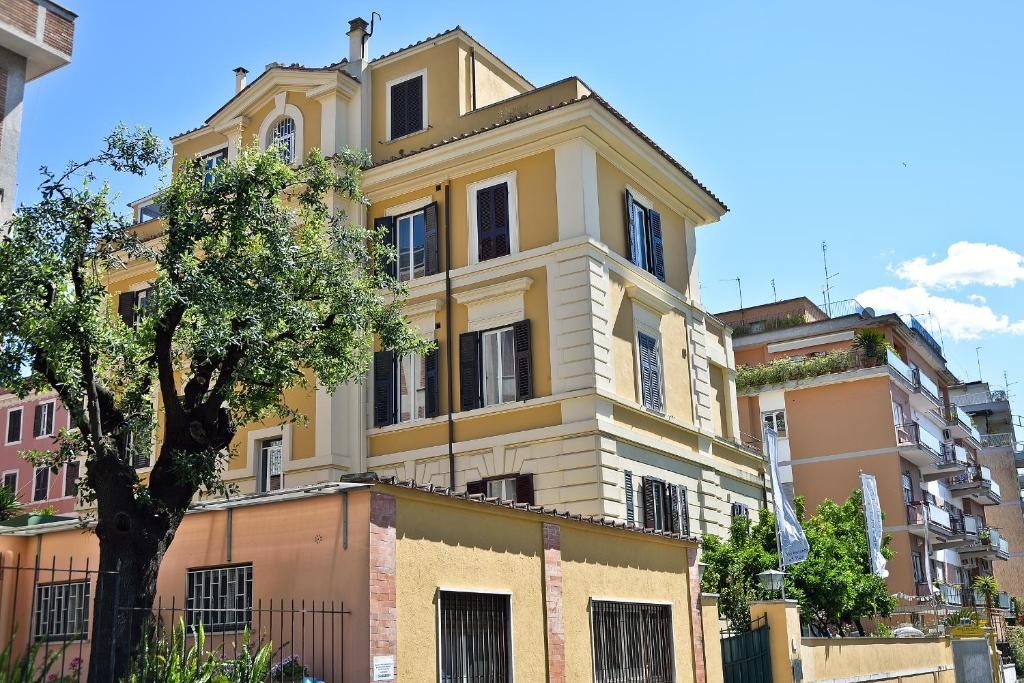 Fragrance Hotel St Peter Rome