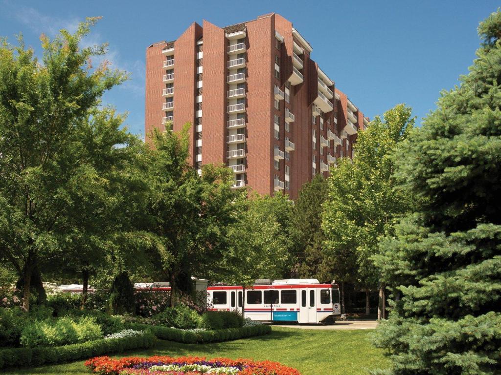 Little america hotel salt lake city r servation gratuite for Little hotels