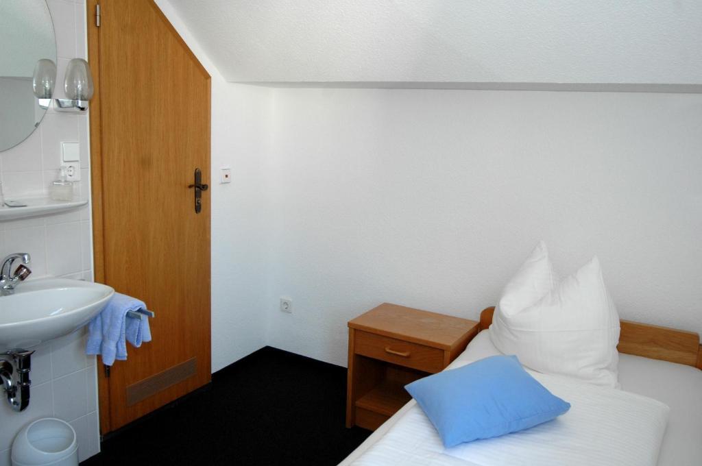 Hotel scheffelhof waldkirch book your hotel with for Designhotel waldkirch