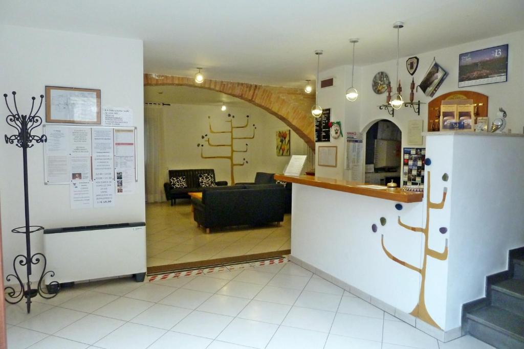 Hotel tre ceri gubbio book your hotel with viamichelin for Furniture 123 near me