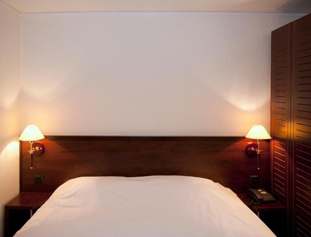 kyriad hotel orl ans sud olivet la source olivet viamichelin informatie en online reserveren. Black Bedroom Furniture Sets. Home Design Ideas