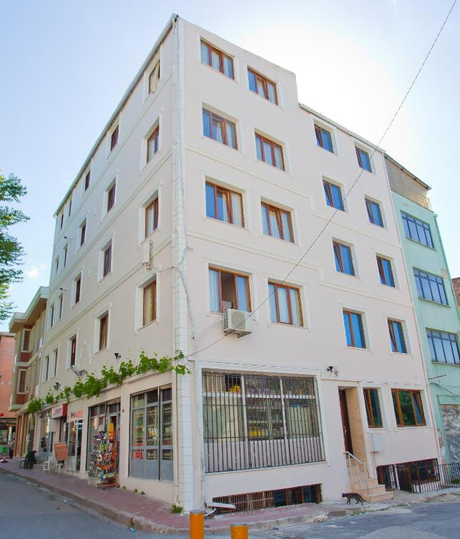 Birlik apart hotel fatih book your hotel with viamichelin for Appart hotel istanbul
