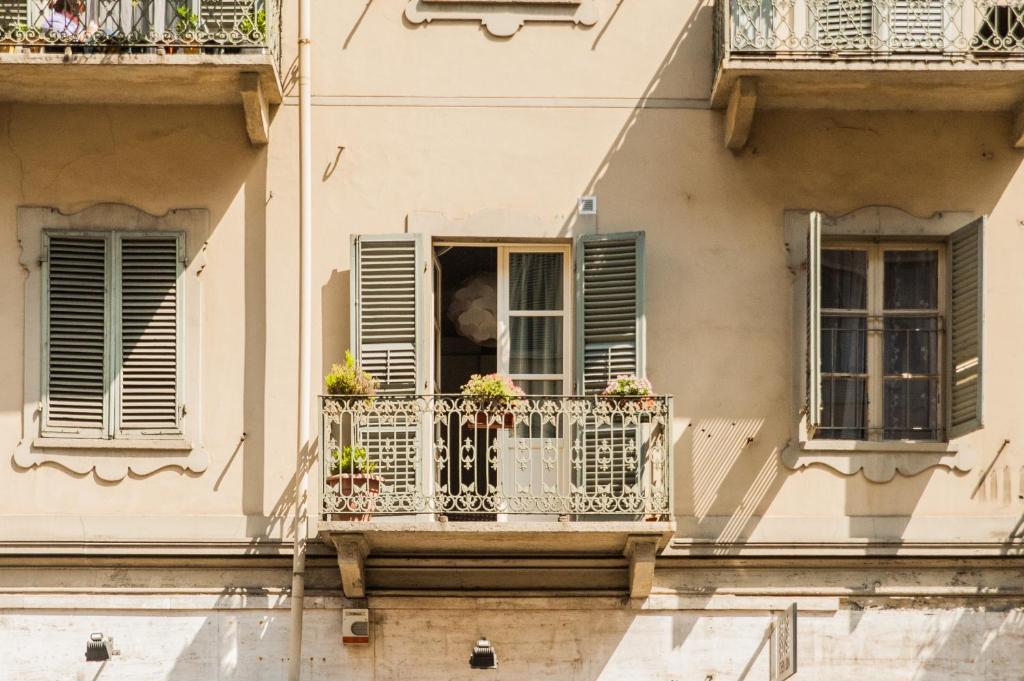 Appartamento porta susa tur n reserva tu hotel con - Hotel vicino porta susa ...