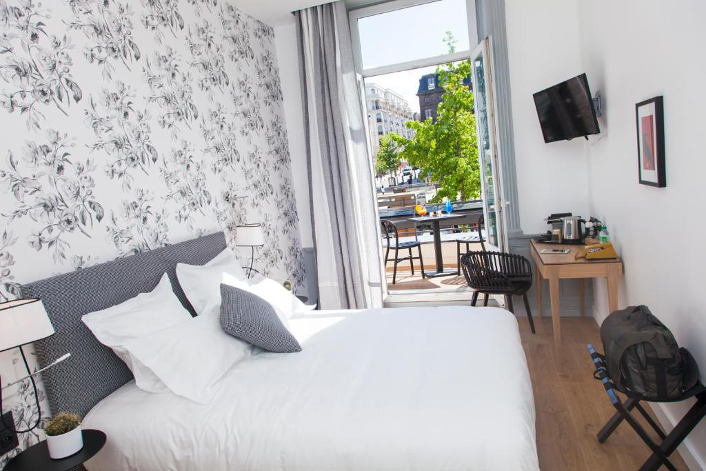 Booking Hotel Le Lion Clermont Ferrand
