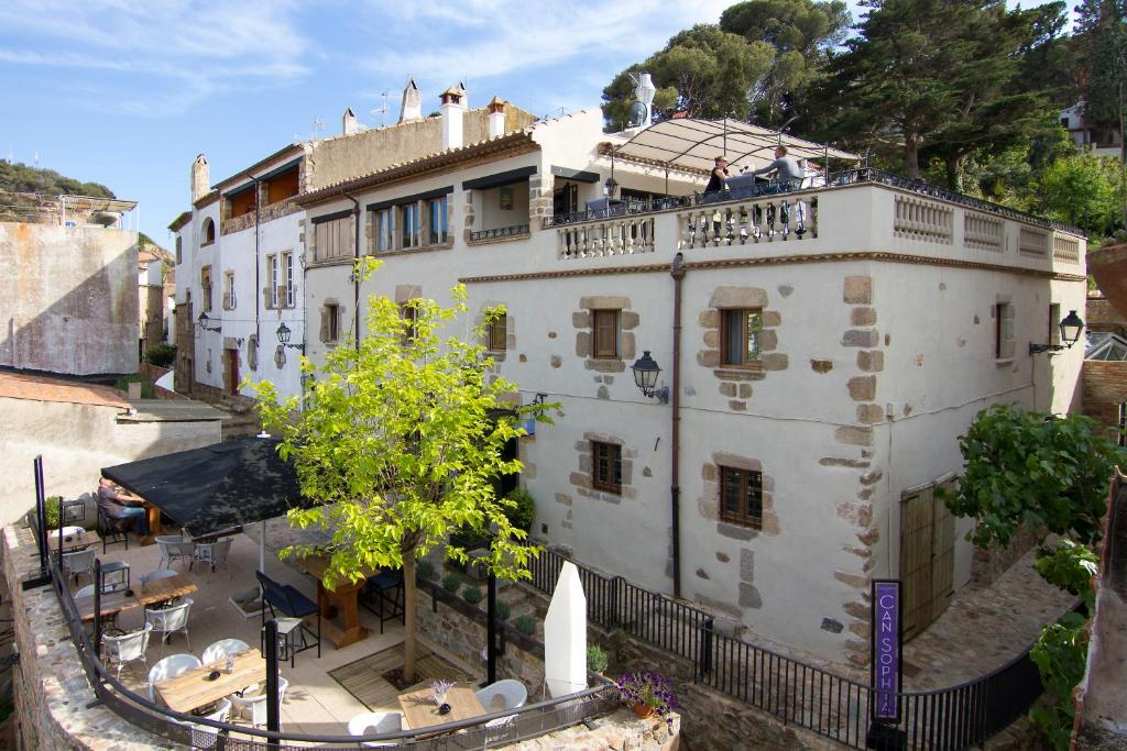 Boutique hotel casa granados tossa de mar book your for Boutique hotel casa granados