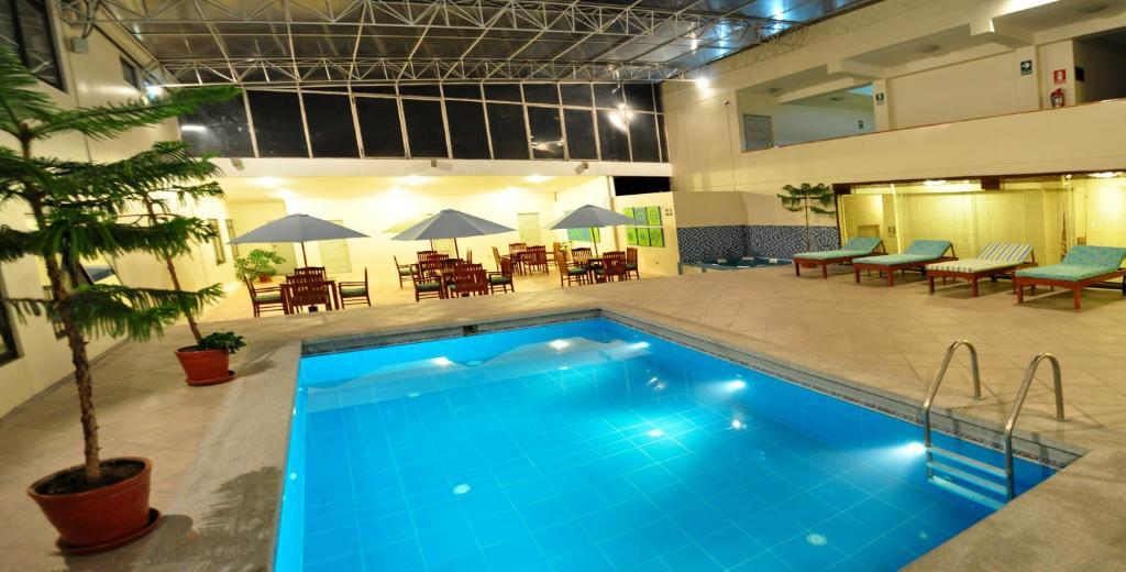 Costa del sol wyndham cajamarca cajamarca reserva tu for Hoteles en algeciras con piscina