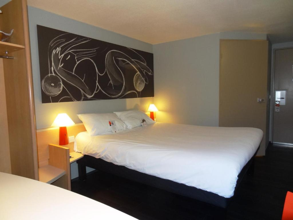 ibis lyon sud chasse sur rh ne givors book your hotel with viamichelin. Black Bedroom Furniture Sets. Home Design Ideas