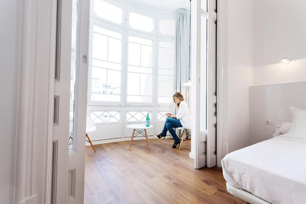 Chambres d 39 h tes hostal argo chambres d 39 h tes barcelone - Chambre d hotes barcelone ...