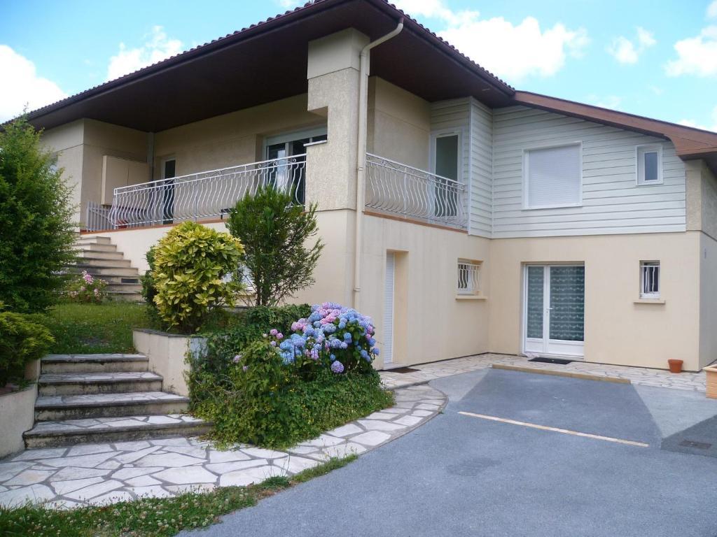 Appartements villa bordeaux pessac haut l v que for Appartement bordeaux pessac