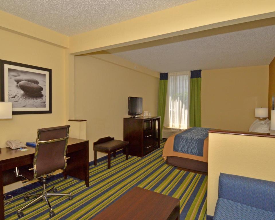 Comfort Inn Amp Suites Lantana West Palm Beach South