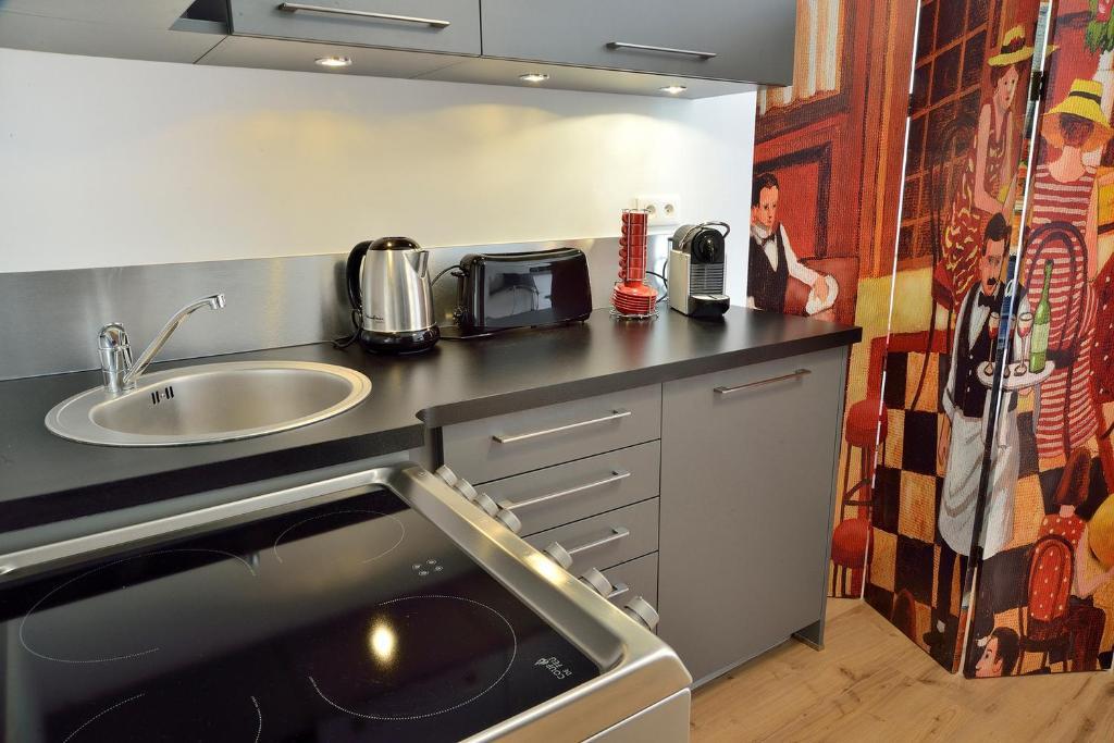 Appartement appart coeur de lyon part dieu massena - Ustensiles de cuisine lyon ...