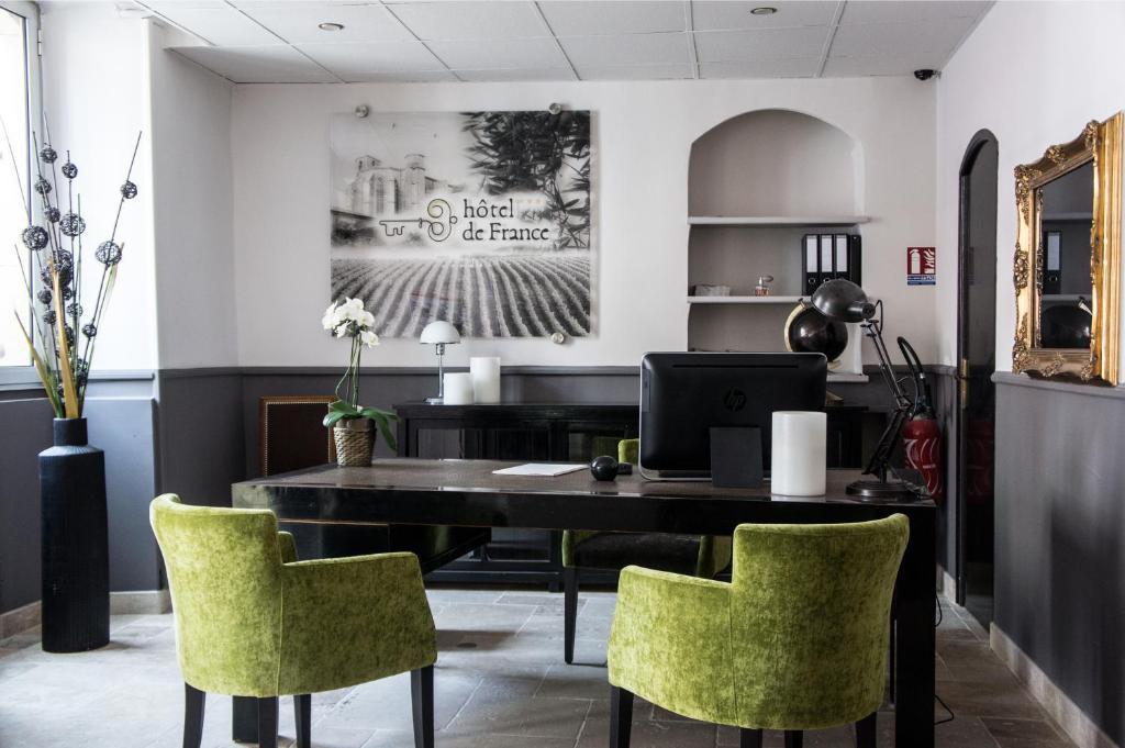 hotel de france saint maximin la sainte baume prenotazione on line viamichelin. Black Bedroom Furniture Sets. Home Design Ideas