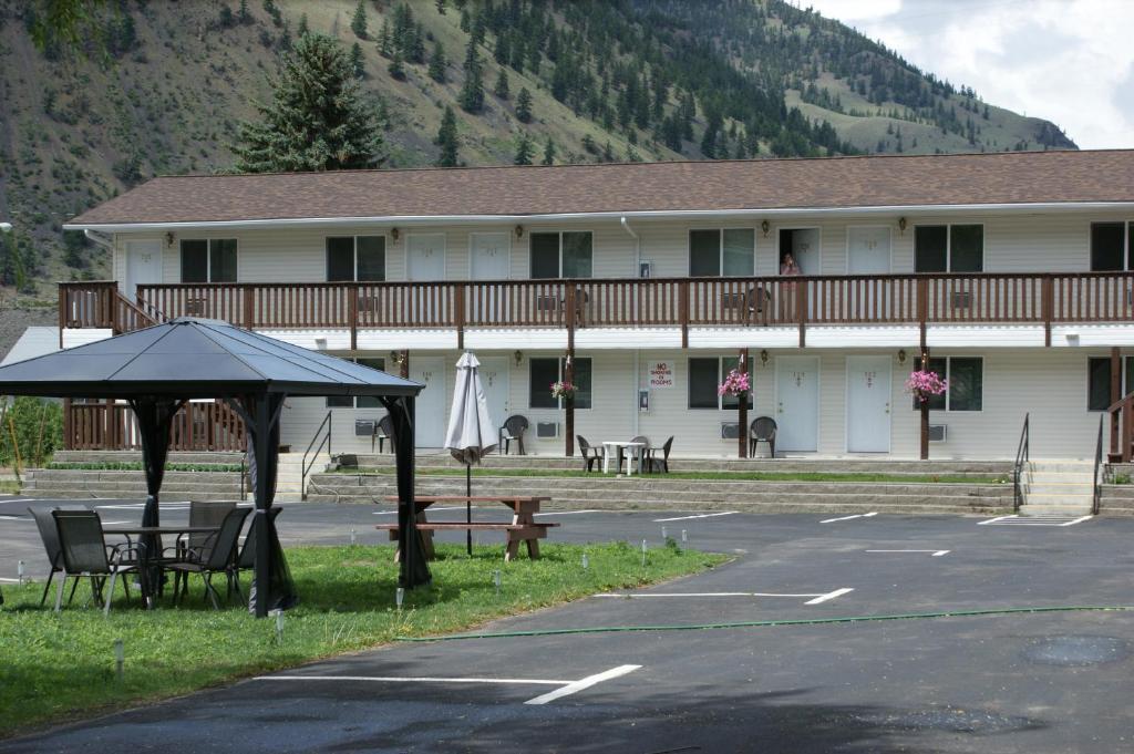 Elks motel penticton reserva tu hotel con viamichelin for Motel con piscina privada