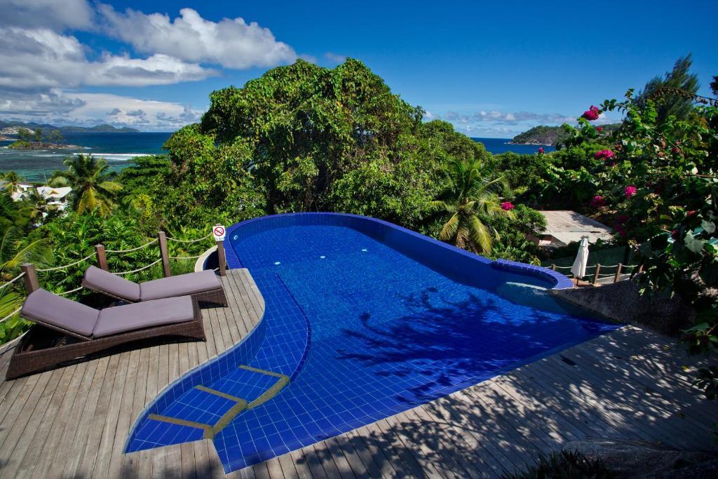 Villas de jardin r servation gratuite sur viamichelin for Villas de jardin port glaud