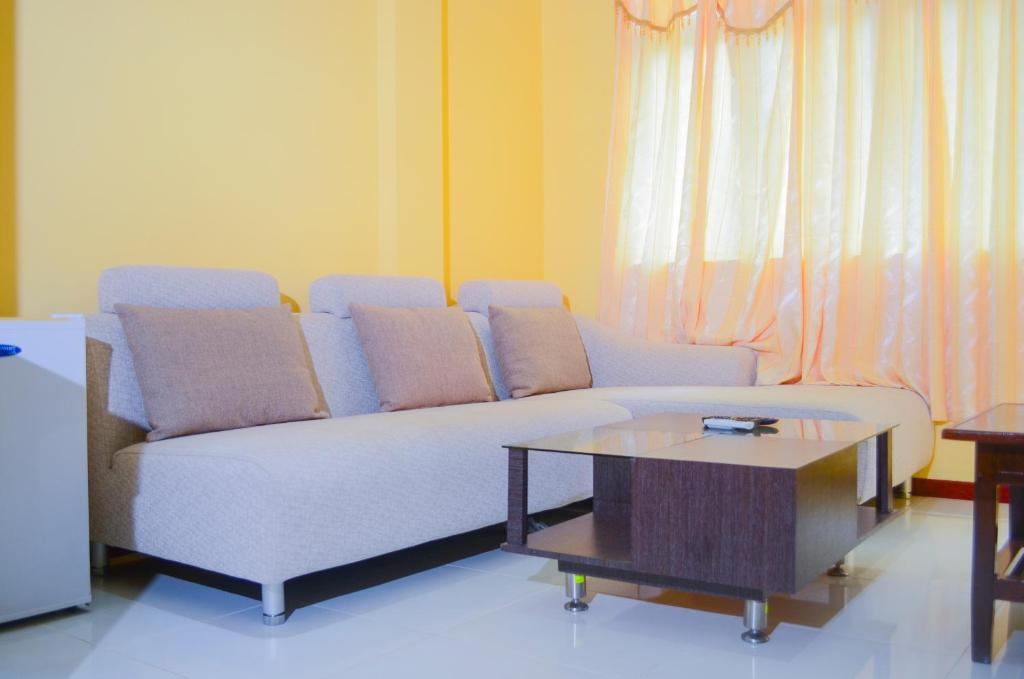 Coral queen inn mal book your hotel with viamichelin for The family room hulhumale