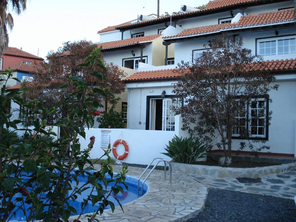 Apartamentos y bungalows finca col n el pueblo de mazo reserva tu hotel con viamichelin - Apartamentos en la palma baratos ...