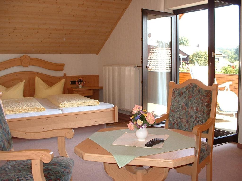 Hotel Drei Lilien Eberbach Online Booking Viamichelin